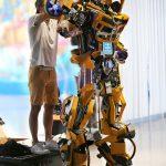 Habillage du robot géant Bumblebee